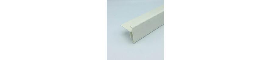 Witte polyester dakrand